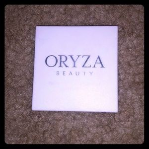 Oryza Beauty Nude Shimmer and Contour Palette